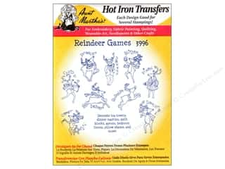 yarn & needlework: Aunt Martha's Hot Iron Transfer #3996 Reindeer Games