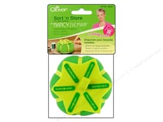 clover chenille needles: Clover Sort 'n Store Pin Cushion for Hand Sewing Needles with Nancy Zieman