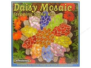 decorative floral: Milestones Stepping Stone Kit 12 in. Daisy