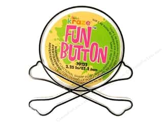 Novelty Buttons: Kelly's Fun Button Crossbones (3 pieces)