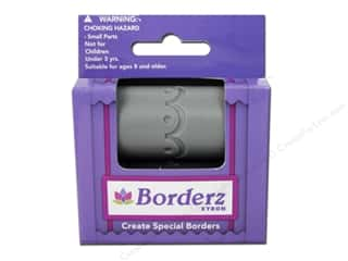 scrapbooking & paper crafts: Xyron Creatopia Embossing Patternz Border Scallop 1