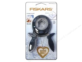 Clearance Feltables Fashion Embellishment: Fiskars Squeeze Punch Large Winter Sealed Greetings