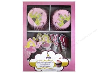 craft & hobbies: Multicraft Party Deluxe Cupcake Box A Princess Tale