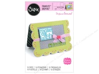 Sizzix Framelits Die Set 15 pc. Scallop Card with Greetings Drop-ins