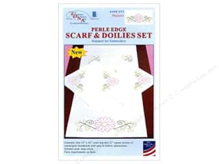 Jack Dempsey Scarf & Doily Set Perle Daisies
