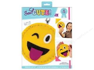 sewing & quilting: Colorbok Kit Sew Cute Backpack Clip Emoji One Eye