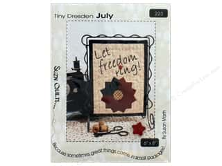 books & patterns: Suzn Quilts Tiny Dresden July Pattern