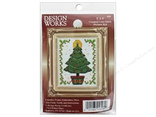 yarn & needlework: Design Works Counted Cross Stitch Kit 2 x 3 in. Christmas Tree