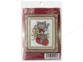 yarn & needlework: Design Works Counted Cross Stitch Kit 2 x 3 in. Stocking Cat