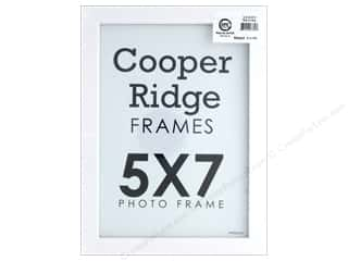 craft & hobbies: Sierra Pacific Crafts Frame Wood With Easel 5 in. x 7 in. White