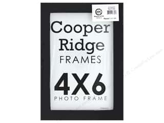 craft & hobbies: Sierra Pacific Crafts Frame Wood With Easel 4 in. x 6 in.  Black