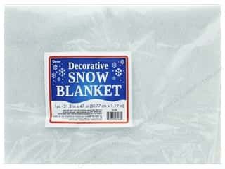 craft & hobbies: Darice Decor Christmas Snow Blanket 31.8 in. x 47 in.