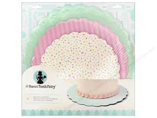 craft & hobbies: American Crafts Sweet Tooth Fairy Cake Plates