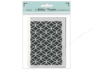 scrapbooking & paper crafts: Melissa Frances Stencil 3 x 4 in. Circles