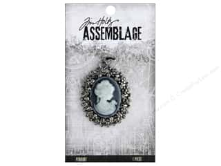 craft & hobbies: Tim Holtz Assemblage Pendant Cameo Crystal