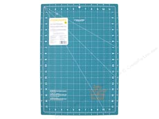 Fiskars Cutting Mat Self-Healing Lia Griffith  12 in. x 18 in. Craft