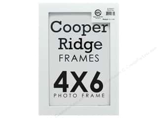 Sierra Pacific Crafts Frame Wood 4 in. x 6 in. With Easel White