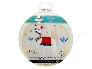 yarn & needlework: Needle Creations Kit Felt Hoop 6 in. Llama