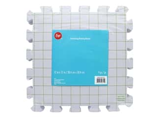 yarn & needlework: Boye Yarn Interlocking Block Board 4 pc