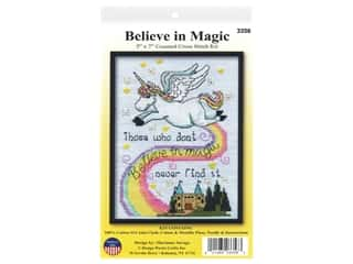 yarn & needlework: Design Works Cross Stitch Kit 5 in. x 7 in. Counted Magic