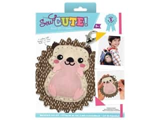 novelties: Colorbok Kit Sew Cute Backpack Clip Hedgehog