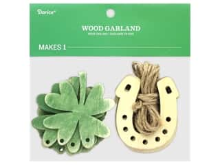 projects & kits: Darice Wood Garland St Patrick's Horseshoe/Shamrock