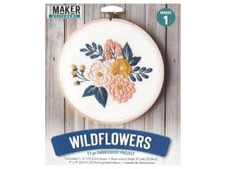 yarn & needlework: Leisure Arts Mini Maker Embroidery Project 6 in. Wildflowers
