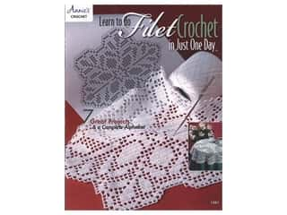 Annie's Crochet Learn To Do Filet Crochet Just One Day Book