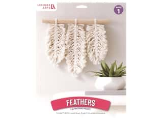 yarn & needlework: Leisure Arts Kit Mini Maker Macrame Feathers