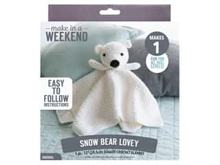 yarn & needlework: Leisure Arts Kit Make In A Weekend Crochet Snow Bear Lovey