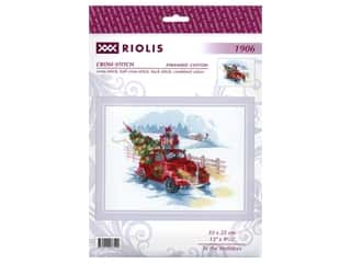 yarn & needlework: Riolis Cross Stitch Kit To The Holidays
