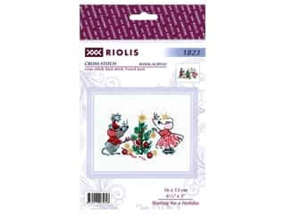 yarn & needlework: Riolis Cross Stitch Kit Waiting For A Holiday